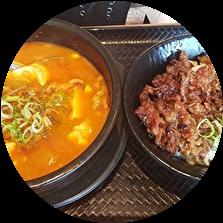 韓丼 カルビ丼 スン豆腐 女性